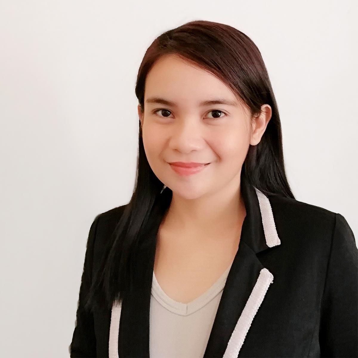Rachel Santos : Senior Administrator